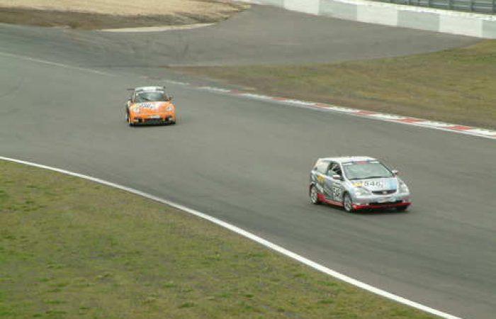racecars-ii-1468645.jpg
